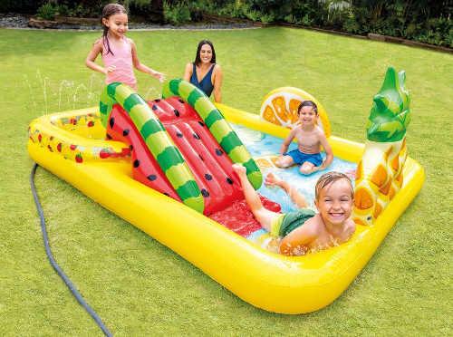 Dětské hrací centrum se skluzavkou a dvěma bazénky
