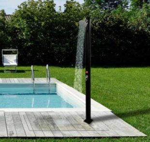 Solární sprcha Hometrade 20 litrů k zapuštěnému zahradnímu bazénu