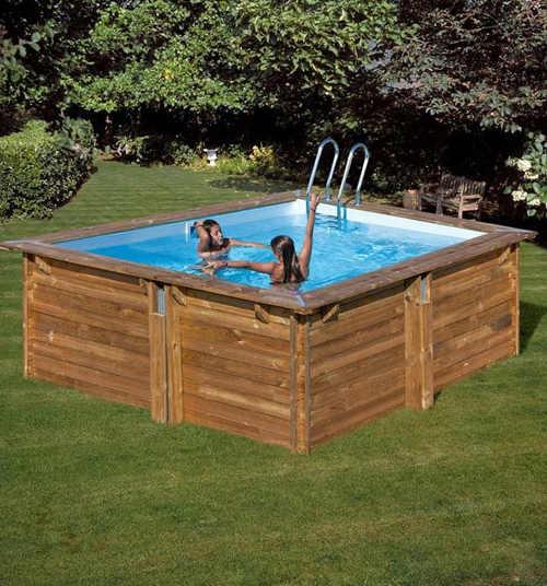 Impozantní zahradní bazén s celoročním využití