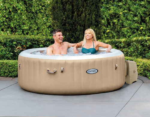 Moderní a efektivní vířivý bazén na zahradu