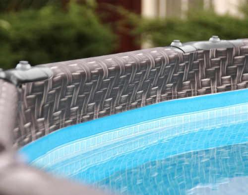 Moderní a praktický nadzemní bazén v imitaci ratan