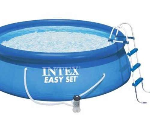 Nadzemní bazén s příslušenstvím