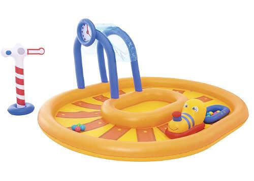 Zábavné bazénkové centrum s vláčkem