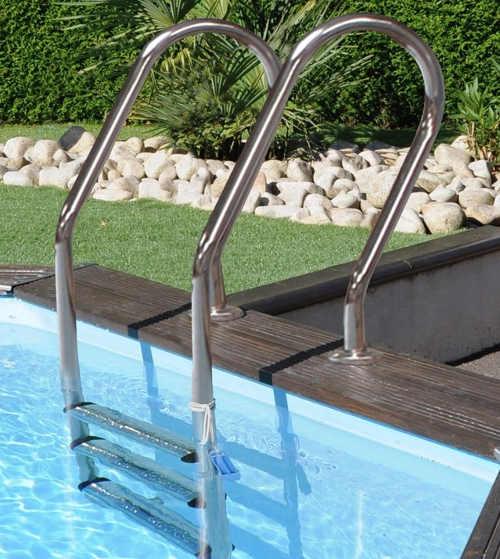 Zahradní bazén v impozantním provedení