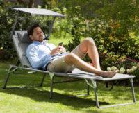 Pohodlné zahradní lehátko se sluneční clonou Blumfeldt Amalfi Noble Grey