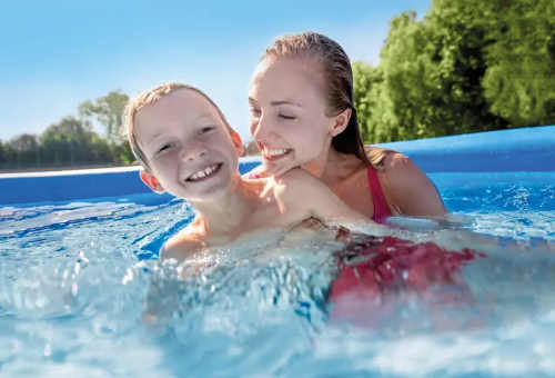 Díky tomuto levnému bazénu si užijete spoustu legrace