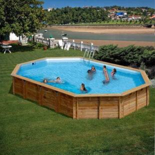 Dřevěný bazén hranatého tvaru s filtrací