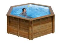 Bazén s dřevěnou konstrukcí