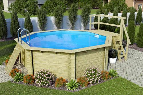 nadzemní bazén s dřevěnou konstrukcí